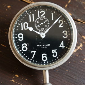 Thumb_small_museum_-_waltham_dashboard_clock