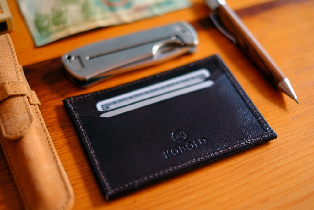 Kobold_travel_cardholder